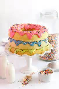 donuts kuchen stack donut cake sprinkle bakes