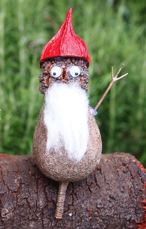australian christmas crafts nature craft gumnut santa made from gumnut sheoak pod and gumnut cap easy nature crafts