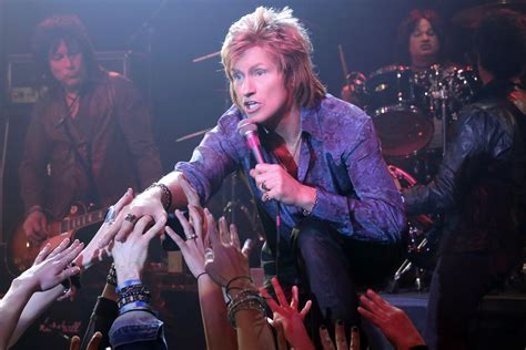 what rock star is in the direct tv ads denis leary stars as washed up 90s rocker in new fx