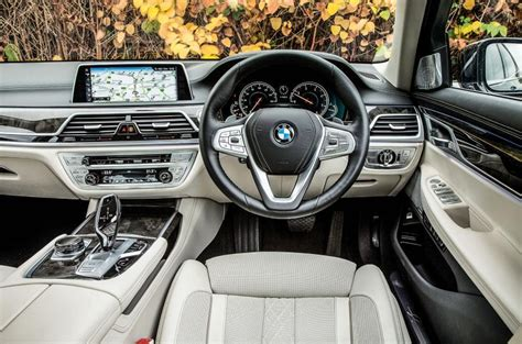 bmw 5 series why do all interiors to look the same
