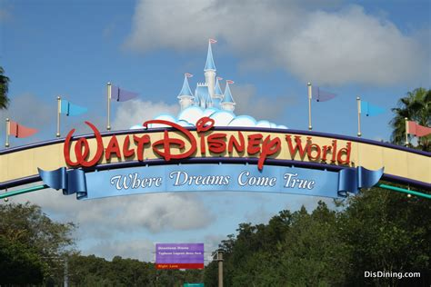 walt disney world top 10 myths about walt disney world disney dining