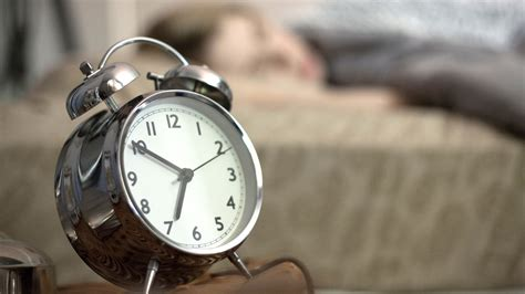 Alarm Clock 11 alarm clocks for heavy sleepers health