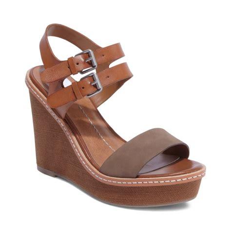 dolce vita sandal dolce vita janna platform wedge sandals in brown taupe