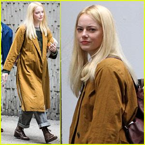 emma stone gets into character on netflix s maniac set emma stone photos news and videos just jared