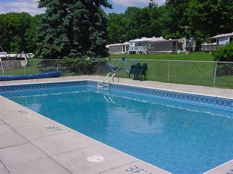 comfortable pool temperature swimming pool