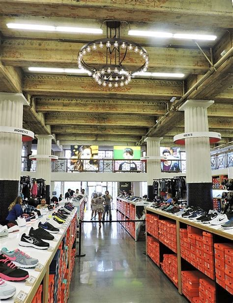 wss shoe store wss shoe stores 1125 n mt vernon ave colton ca