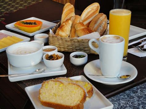 what is considered a light breakfast breakfast places to visit