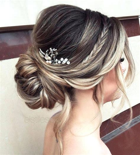 Indian Wedding Hairstyles With Veil by Unique Wedding Hairstyles Half Updos With Veil Wedding