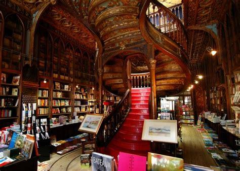 libreria bookshop livraria lello bookstore in porto portugal