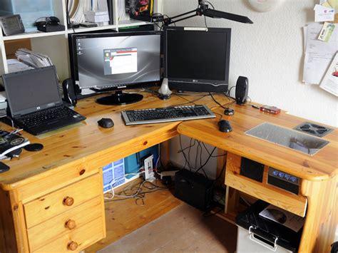 Schreibtisch Pc by Schreibtisch Pc Casemod Fertig Stahlpferd De