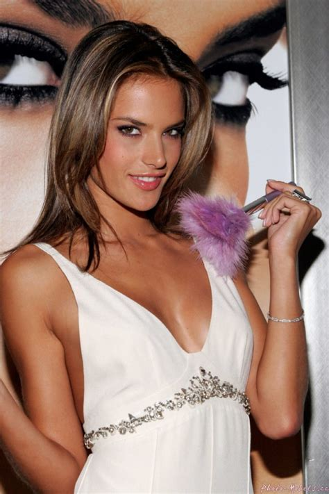 Alessandra Ambrosio Pictures by Alessandra Ambrosio Alessandra Ambrosio Photo 25407711