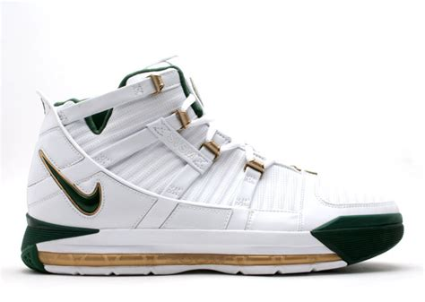 lebron james laces up nike zoom lebron iii all star pe zoom lebron 3 white deep forest gold dust