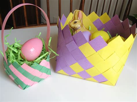 How To Make Paper Easter Baskets - an easy illustrated guide to creating woven construction