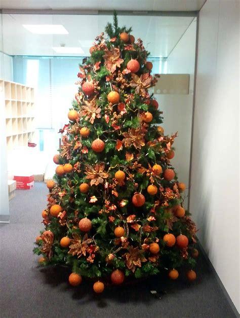 arbol d enavidad con colores naranjas 193 rboles navidad color naranja b m 193 rboles de navidad