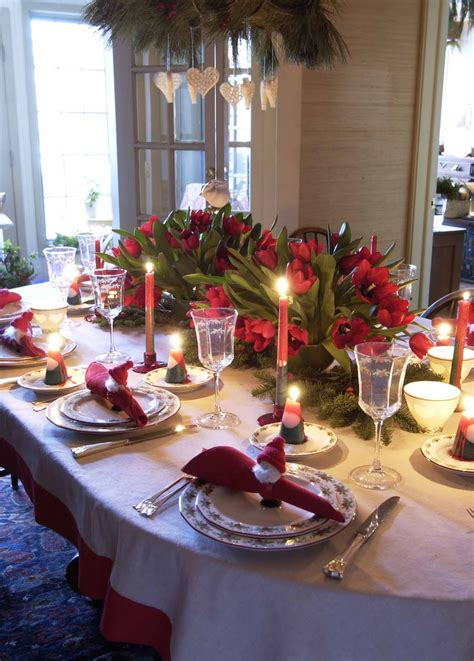 how to decorate your christmas table 2