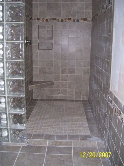 Tile Shower Images by Pictures Of Showers With Tile 2017 Grasscloth Wallpaper