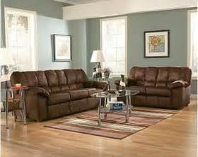 what colors go with brown couch bedroom design