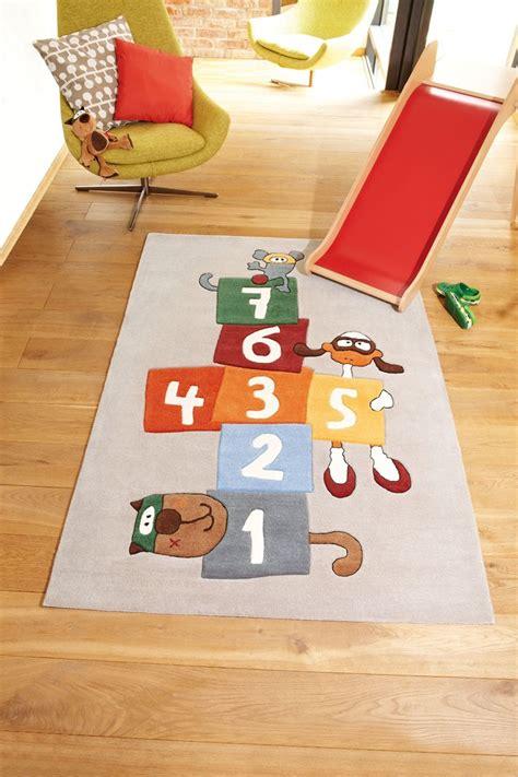 tapis chambre d enfant tapis gris pour chambre d enfant bandidoleros jump 1 sigikid