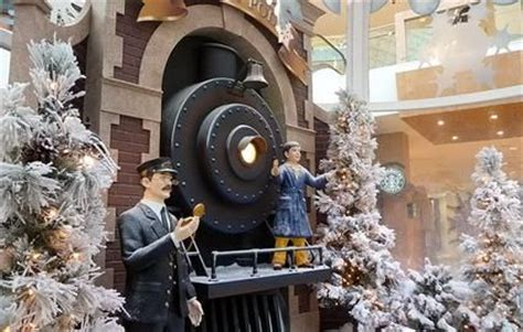 office decorated in the polar express 17 best images about door on cars and conductors