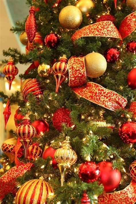 red and gold christmas tree decoration ideas christmas