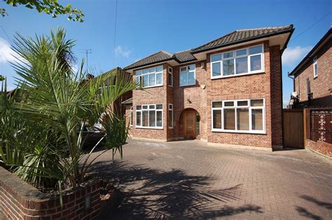 rent 5 bedroom house london 5 bedroom house to rent in parklands drive finchley london