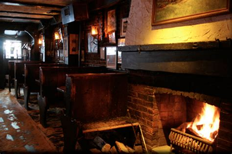 Fireplace Bars Nyc by Restaurants And Bars With Fireplaces Nyc Spots For Keeping Cozy All Season Am New York