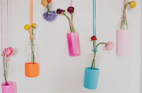 Hanging Aksesoris dipped bottles with flowers