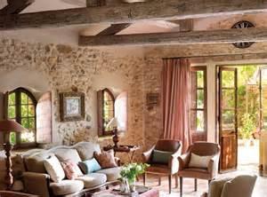 hermoso  Decoracion De Interiores Salones Pequeños #1: salon-con-estructura-de-vigas-y-toques-rosas_680x505_4244ebd7.jpg