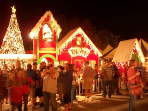 christmas lane lights display tradition draws crowds to