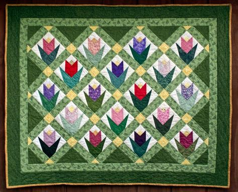 Tulip Quilt Pattern Block by 17 Best Images About Tulip Quilts On Stained
