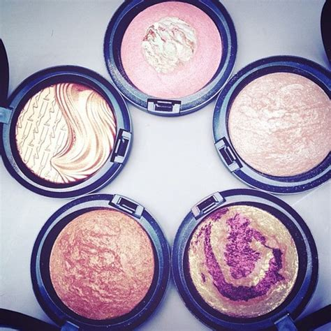 P O Powder M B K mac highlight powders