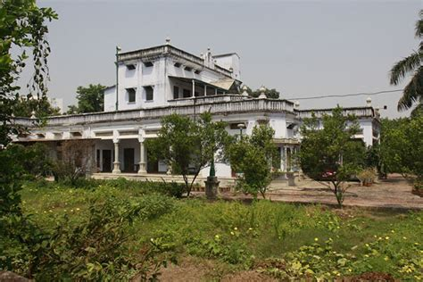 amitabh bachchan house images take a tour of amitabh s home in allahabad rediff com movies
