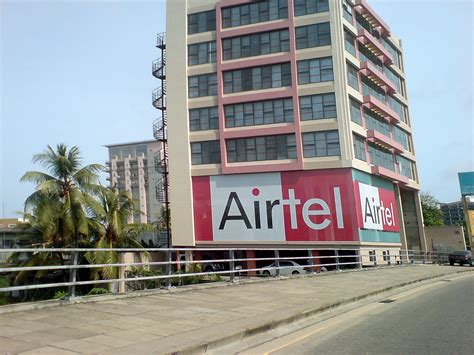 mobile bharti airtel sells 3 100 telecoms towers to raise 2bn business