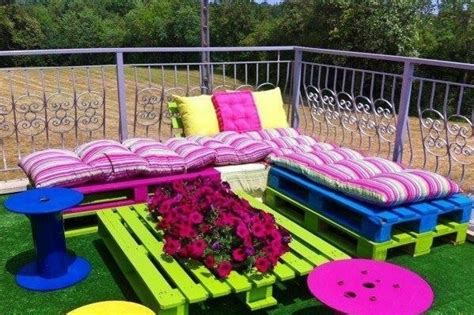 backyard couch garden furniture made from cable drums and wood pallets