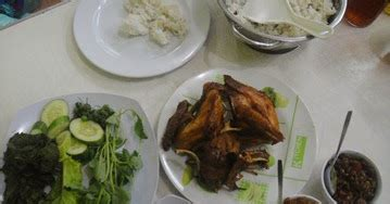 hidangan istimewa ayam bebek ayam bebek goreng khas banyumas bongkreck
