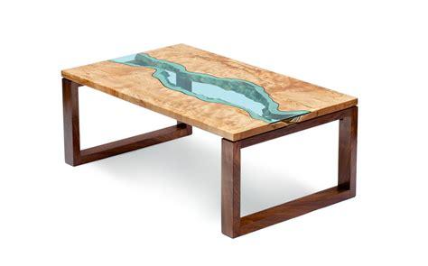 tavolo vetro e legno fiumi di vetro sui tavoli di greg klassen