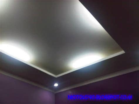 rumah minimalis  desain plafon  berkesan niotolovo
