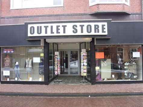 outlet store adidas outlet store