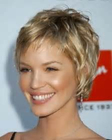 coupe de cheveux courte blond fonc 233