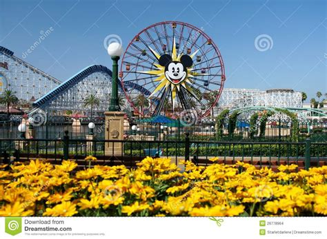 Ekslusif Sprei California Disney Mickey Mouse No 4 Single 100 mickey mouse ferris wheel disneyland editorial stock image