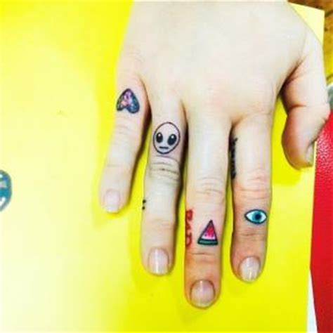 tattoo on pad of finger miley cyrus tattoos friend shows off new ink on instagram