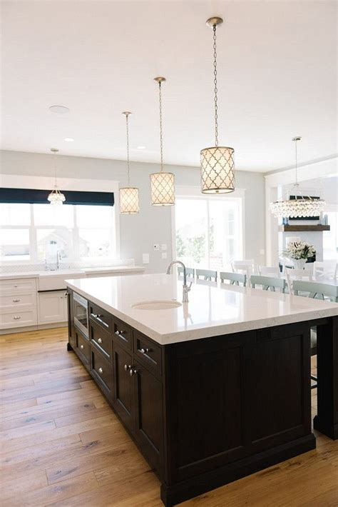 kitchen island with pendant lights 17 best ideas about pendant lights on kitchen