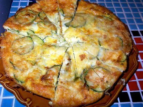 come cucinare le cipolle bianche al forno frittata di zucchine e cipolle da fare in padella ricetta