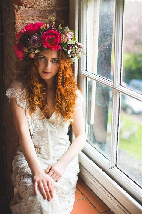 vintage wedding hair sheffield 122 best images about extraordinary hats and fascinators