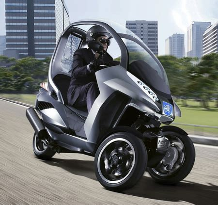 peugeot electric scooter peugeot hymotion 3 three wheels scooter concept tuvie
