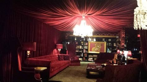 wine red bedroom ohlilkitty member photos tripadvisor