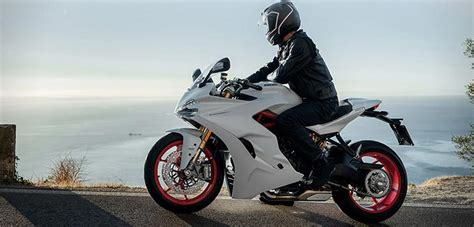 recommended motorcycle 10 best motorcycles of 2017 the financial word