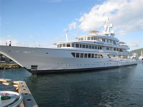 bid bid big yacht approaching bridge gumbopirate
