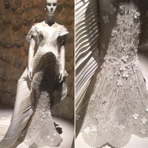 Abaya Swarosky Jam Pasir the luxury swarovski sparkling couture event arabia weddings