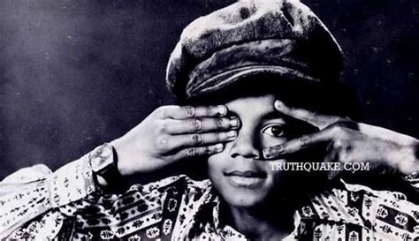 illuminati deaths michael jackson imagery one eye symbolism v sign